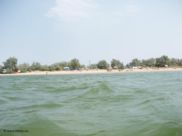 Вид на лагерь с моря
